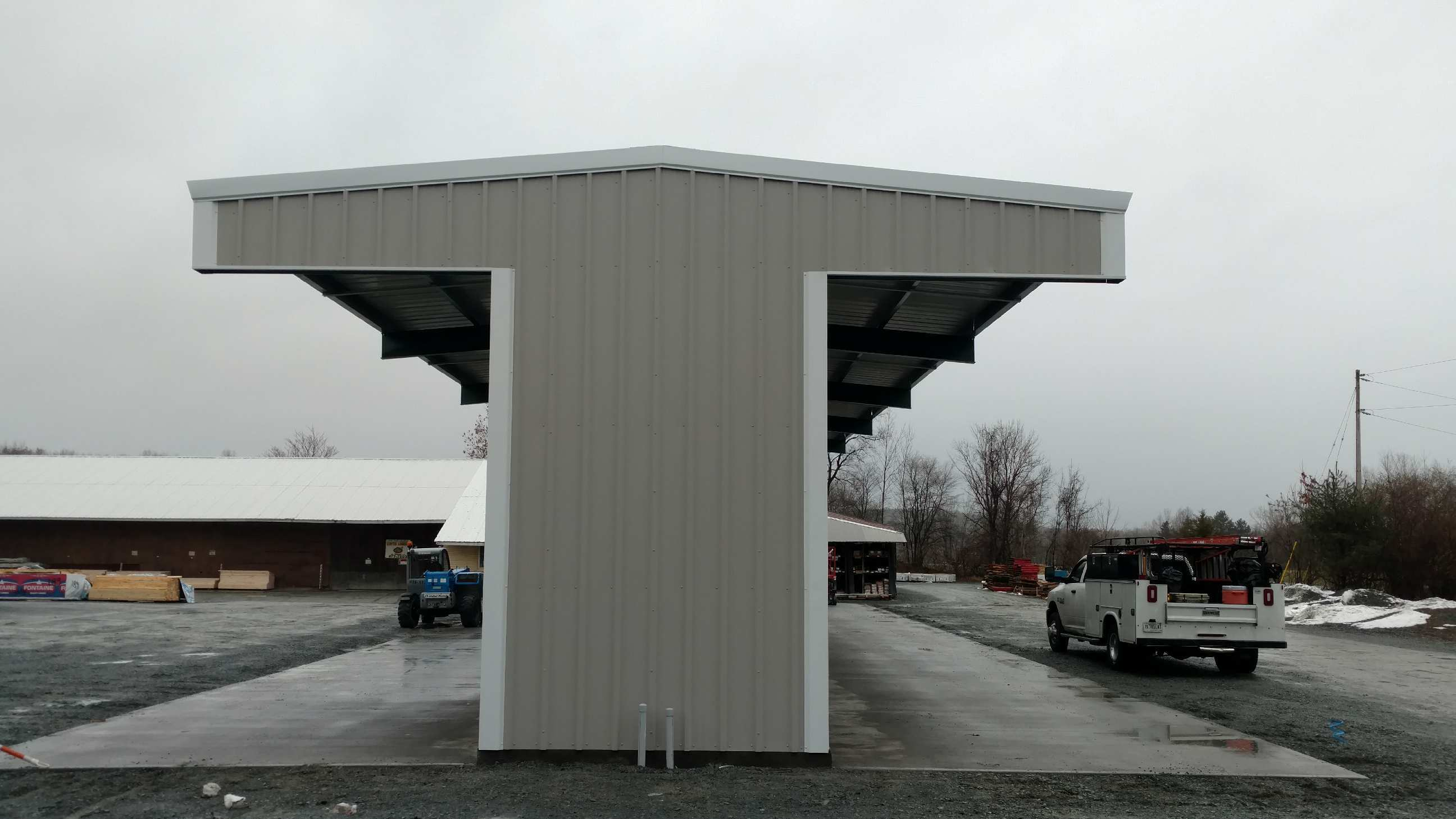 End View Cantilever Rack-Supported T-Shed